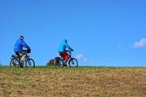 cyclists-1768046_960_720