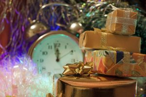 Free picture (Christmas Gifts . . hours.) from https://torange.biz/christmas-gifts-hours-6547